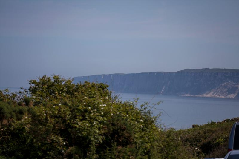Stunning seaview on the walk to the beach (direct access)