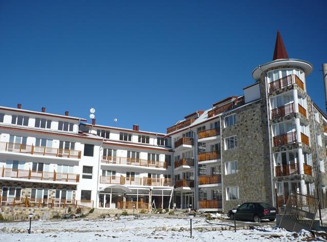 Eagle Rock Apartment Building