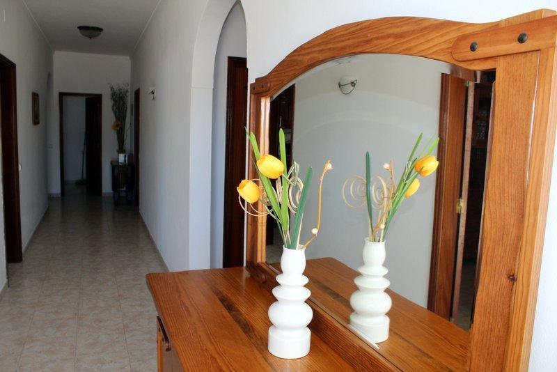 Villa Alfarroba, holiday rental in Guia