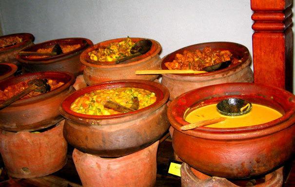 Sri Lankan Food served in Clay Pots