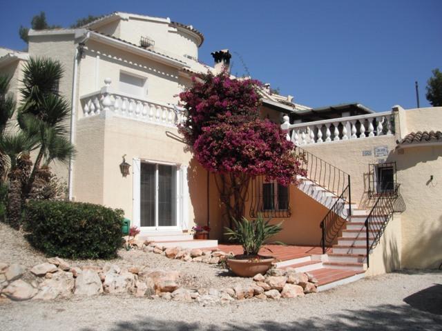 Front of Villa, apartment on ground floor