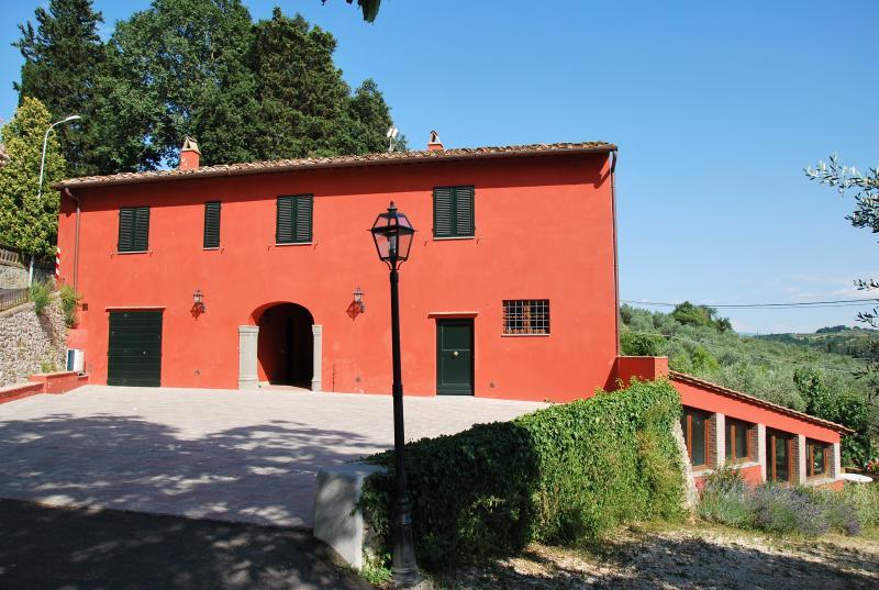 Le Valli, casa colonica nel Chianti a 12 km da Firenze