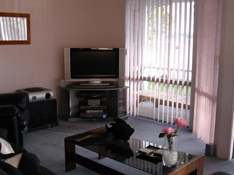 Satellite TV, DVD
