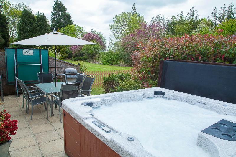 BBQ and Hot Tub