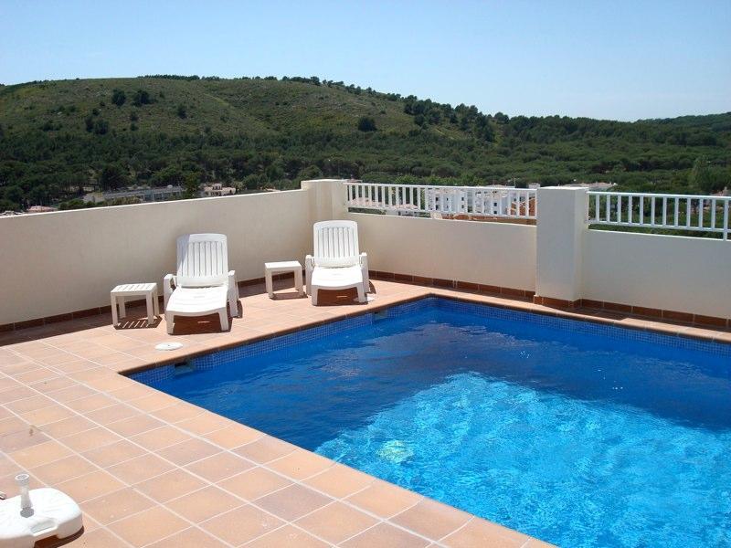 piscina privada com vistas encantadoras