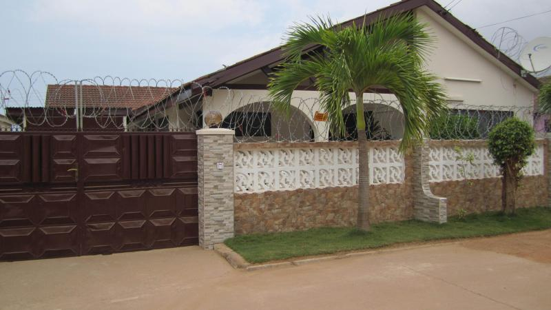 Atrractive Vacation Home Accra And Car Rentals, vacation rental in Achimota