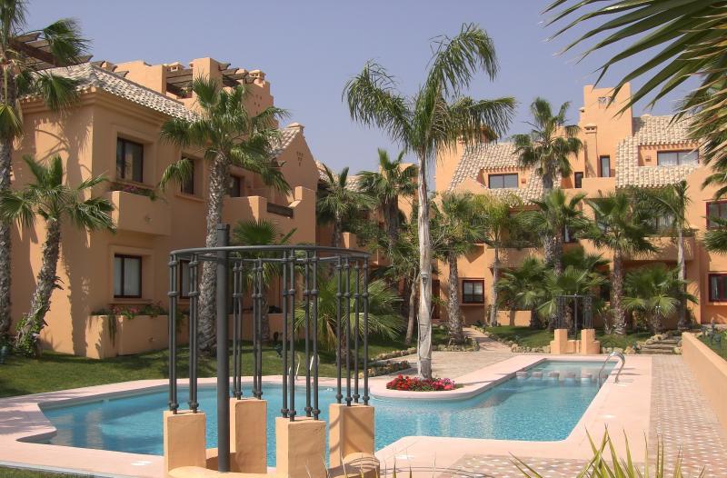 Nueva Ribera Beach Resort, holiday rental in Los Alcazares
