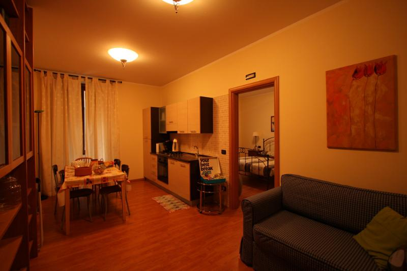 Three bedrooms flat close to lake, holiday rental in Sarnico