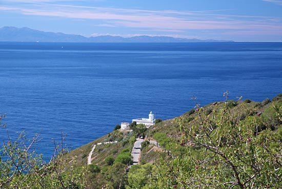 panorama Patresi -Faro Punta Polveraia