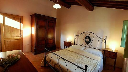 Coldipozzo Villa Sleeps 2 with Pool - 5228861, vacation rental in Santa Maria di Sette