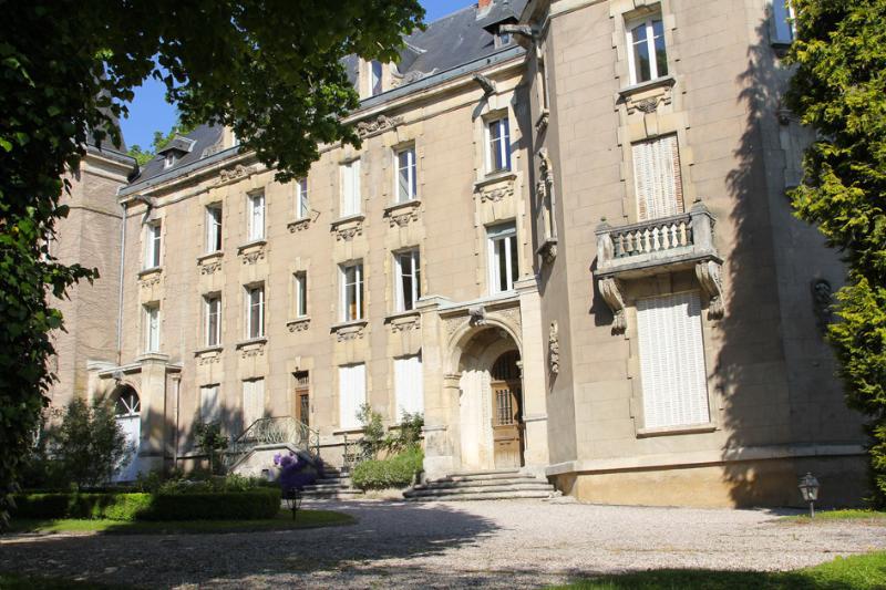 Proche NANCY Château de la Flie  à LIVERDUN, Ferienwohnung in Vandoeuvre-les-Nancy