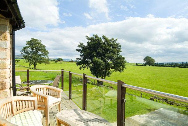 High View Meadows - sleeps 4 - FREE leisure club and pool    (No Pets Sorry), holiday rental in Ireby