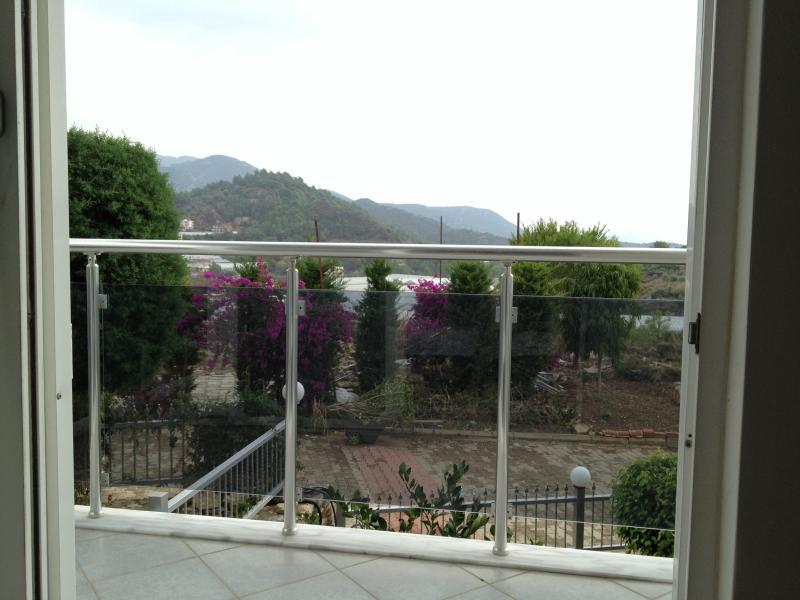 Balcón vista a la montaña