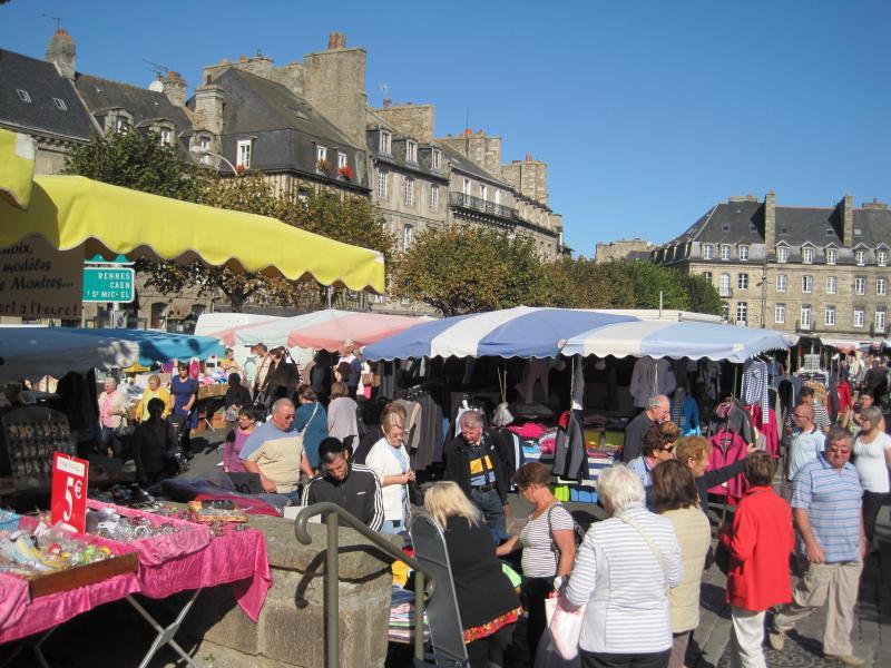 weekly market at Dinan