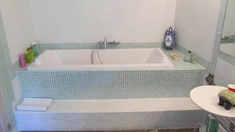 bath superior room