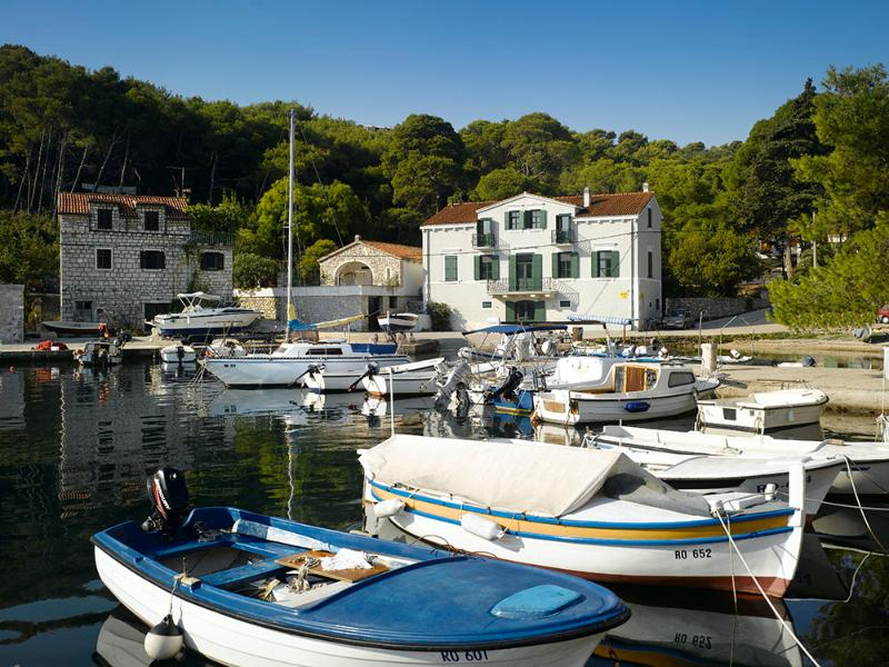 Villa del Mar, directly at the sea in the little fishing harbour of Rogac