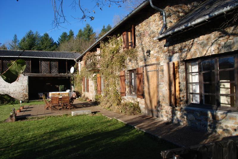 Pyrenees Holiday Gite 12 Bedrooms Sleeps 32+ Heated Pool and Jacuzzi