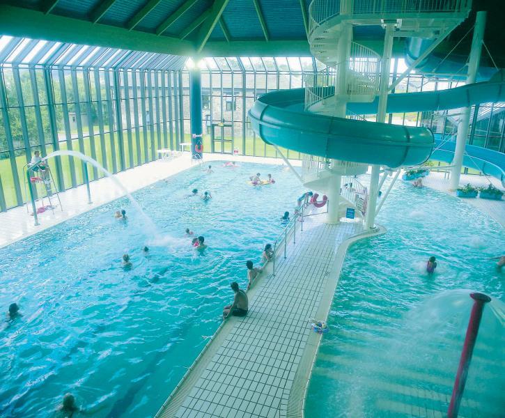 Utilização gratuita da piscina de lazer nas proximidades clube *