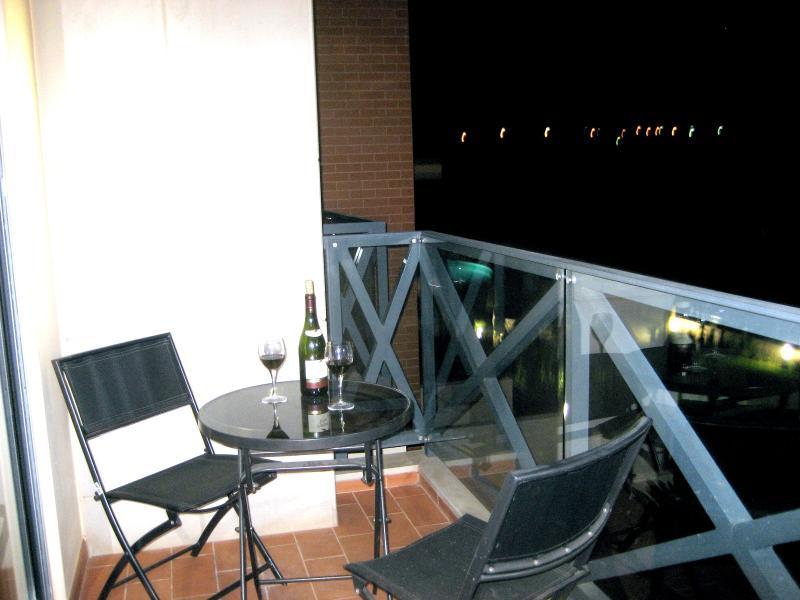 Avond drankje op het balkon