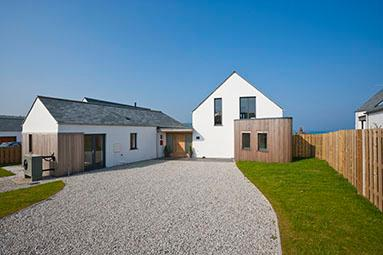 Beach Haven - Stunning beach house with sea views!, vakantiewoning in Bude-Stratton