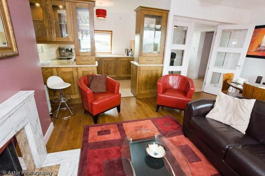 Cowper 443- Living Room