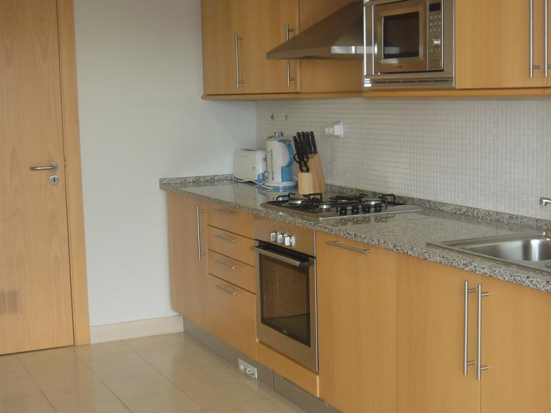 Kitchen Oven / Gas Hob & Microwave
