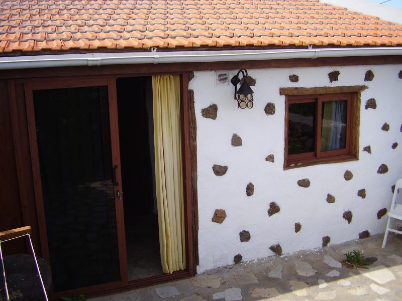 Casa en Isora -El Hierro- Wifi Gratis, vacation rental in Isora