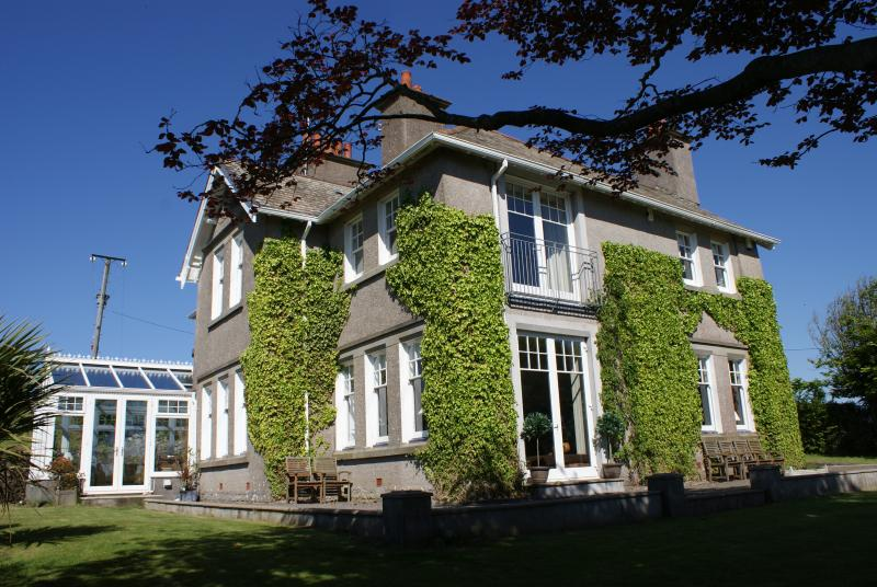 The Old Vicarage, holiday rental in Swansea County