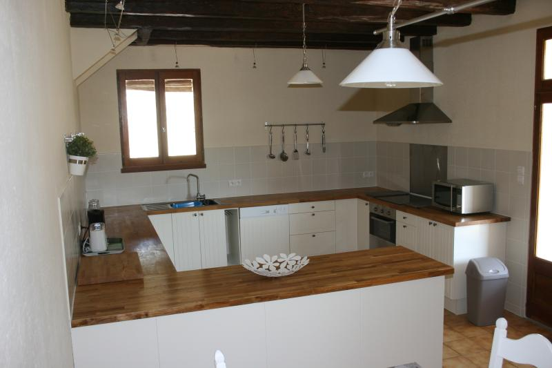 New fully fitted kitchen with all the appliances you need