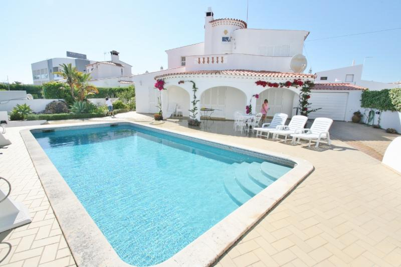 Villa Dom Henrique - 5 Bedroom - Heated Pool Available - Snooker Table – semesterbostad i Albufeira