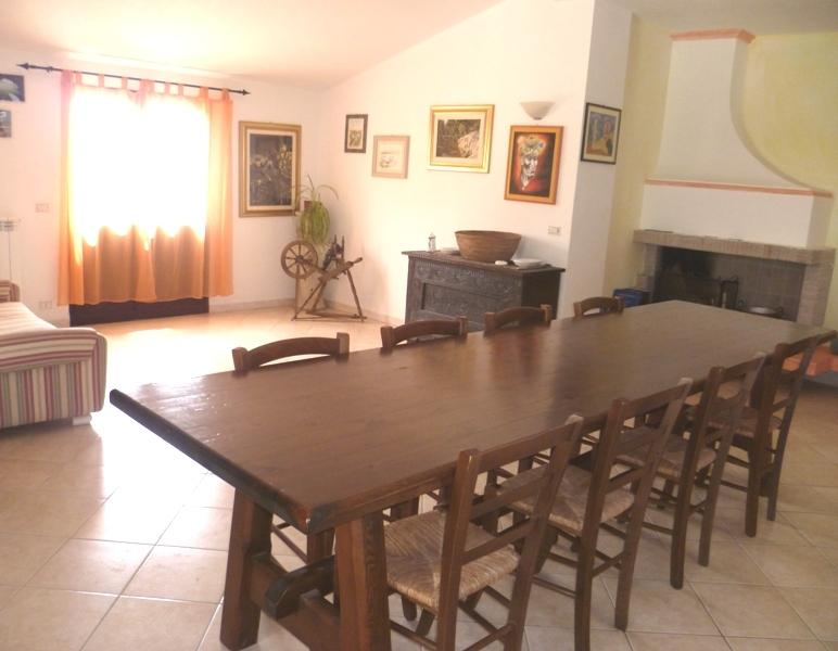 Ground floor. Dining room