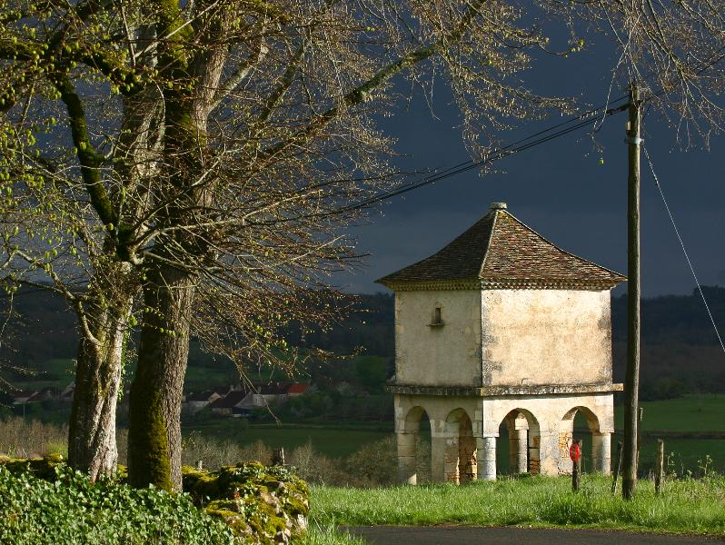 In Dordogne, every turn of the roads has got a wonderful surprise for you!