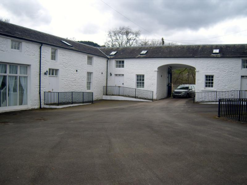 MEWS COURTYARD SECURE PRIVATE PARKING