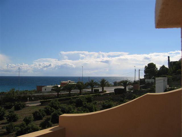 Beautiful 2Bed, 2Bath apartment west of Nerja. Large sunny terrace., holiday rental in Nerja