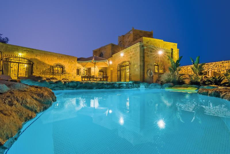 The Chateau -  Stunning & Huge Villa with Private Pool, Garden & Playing Area, holiday rental in Siggiewi