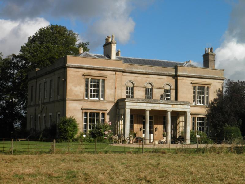 Bragborough Hall