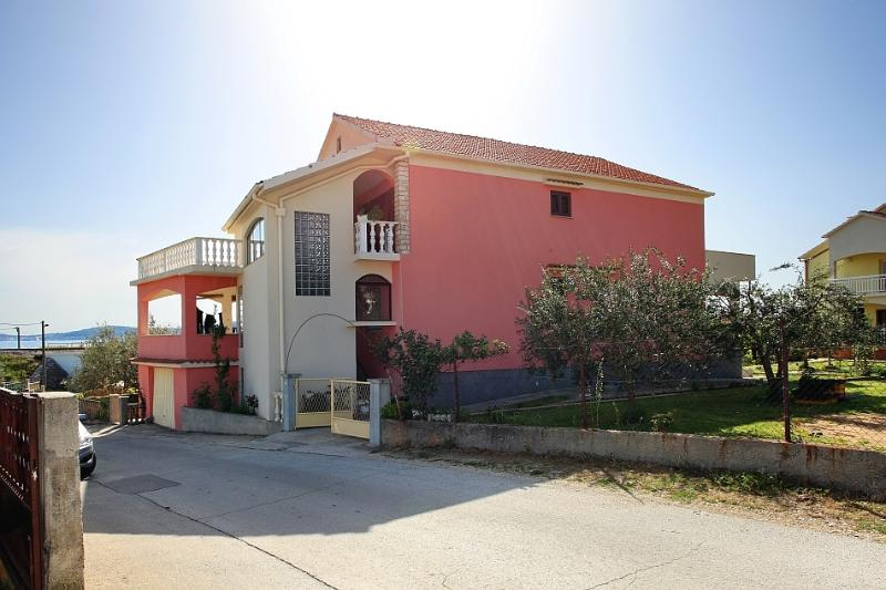 Family Studio Apartment, vacation rental in Bibinje
