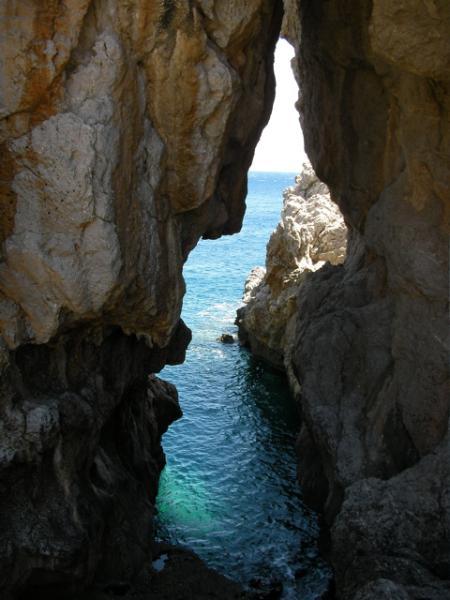 Pavlos - grotto