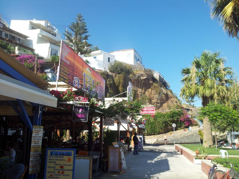 Ag Galini bars and restaurants on harbour