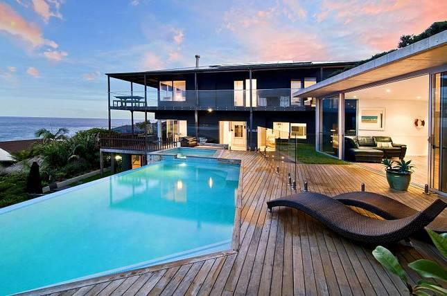 FRESHWATER BEACH LIVING - SPECTACULAR WATER VIEWS, holiday rental in Greater Sydney
