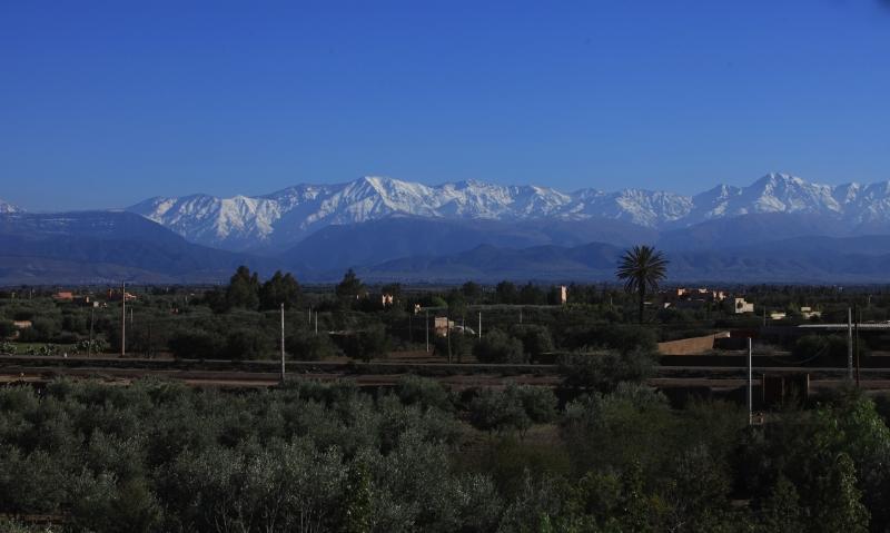 Vue sur la chaîne de montagnes du Haut-Atlas