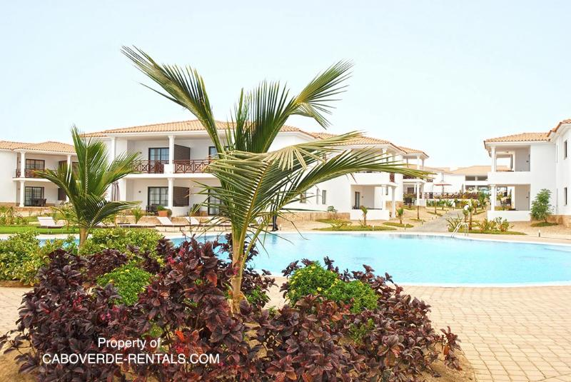 Resort shared pool 01