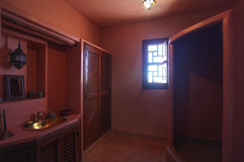 Salle de bain de la suite de luxe triple