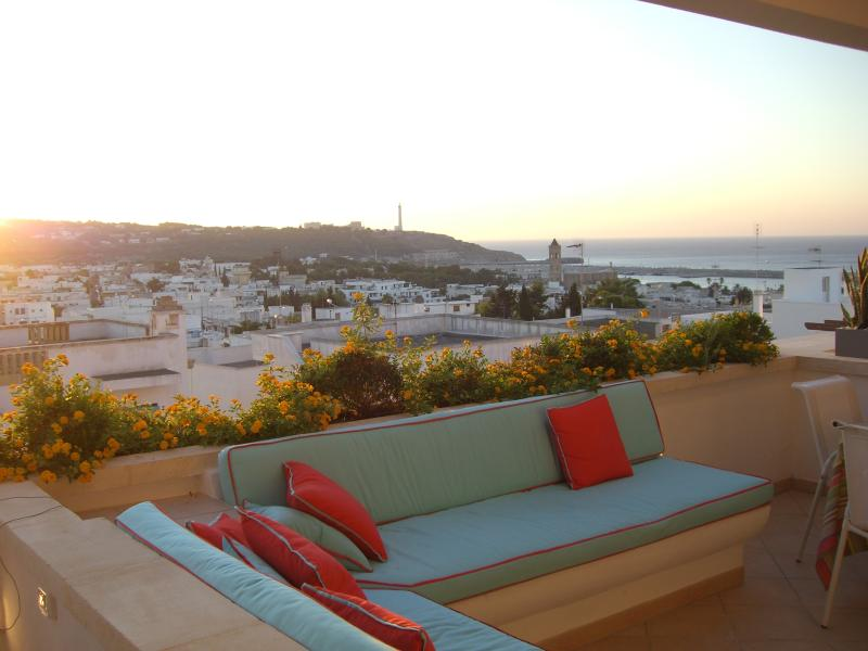 Large Terrace with dining table and chill out area - Apt 15