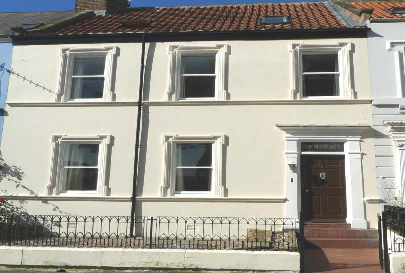 The Moorings, Whitby, sleeps 12, close to beach/town, 4 bathrooms, Sky Sports – semesterbostad i Scarborough District