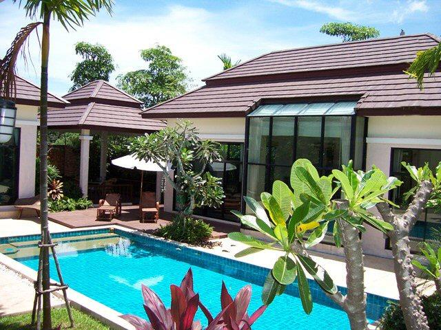 Stunning Balinese Style Home, holiday rental in Pattaya