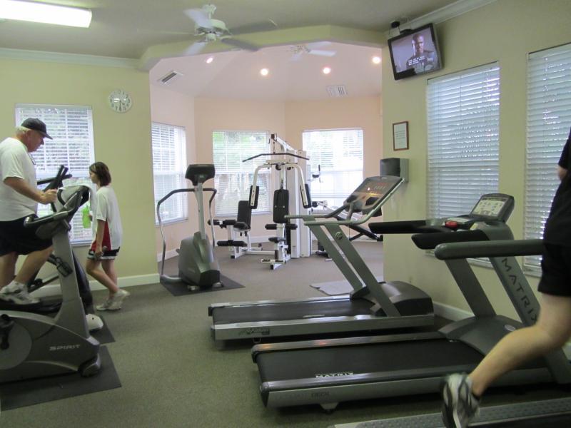 Ginásio/Fitness bem equipado centro
