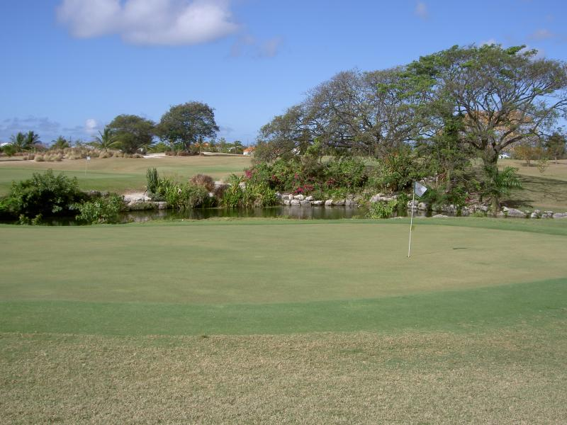 Nearest golfcourse