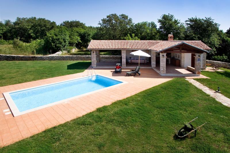 edera, holiday rental in Bibici