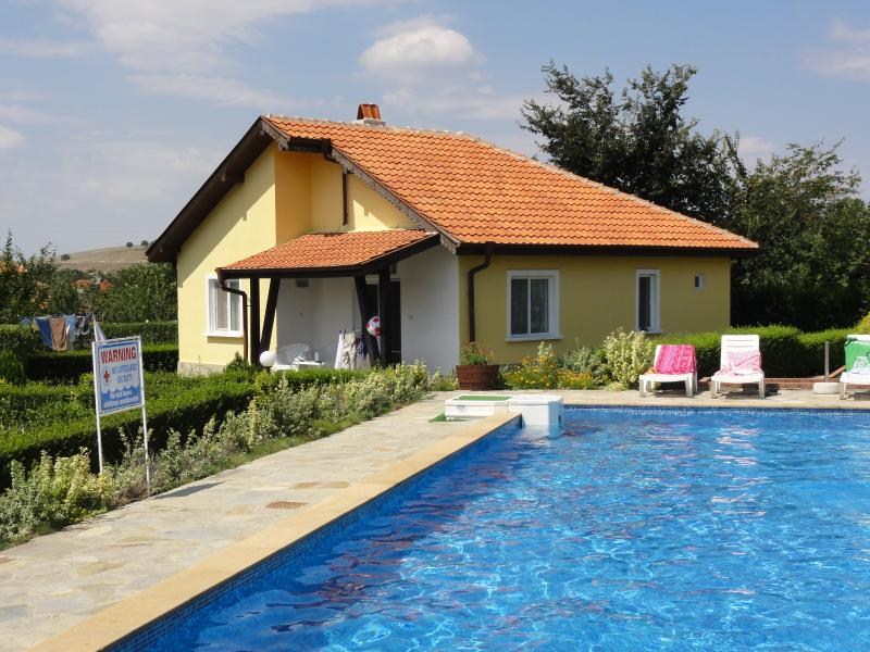Villa 7 Sunny Hills, vacation rental in Aheloy